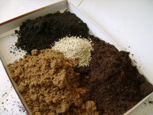 приготовление почвосмеси для баклажанов