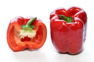 красный болгарский перец в разрезе