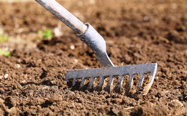 подготовка почвы для грядок